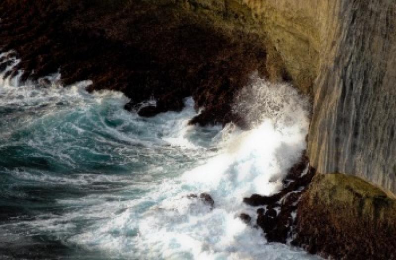 乌鲁瓦图断崖